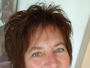 Julie669